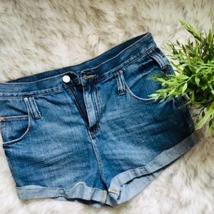 B D G  Roll Up Mid-waisted Shorts